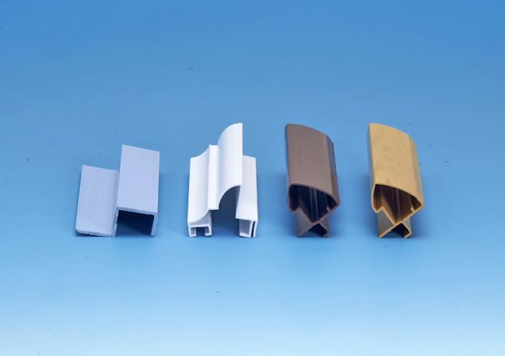 塑膠木紋框條 :(燈具,相框,鏡框)材料